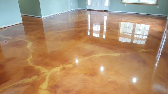 Reflector epoxy floor in Maine