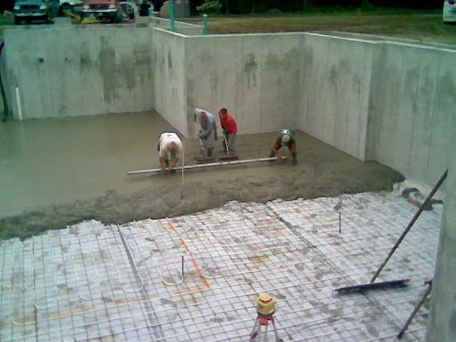 Diy pouring concrete garage floor home desain 2018 for Pouring concrete garage floor